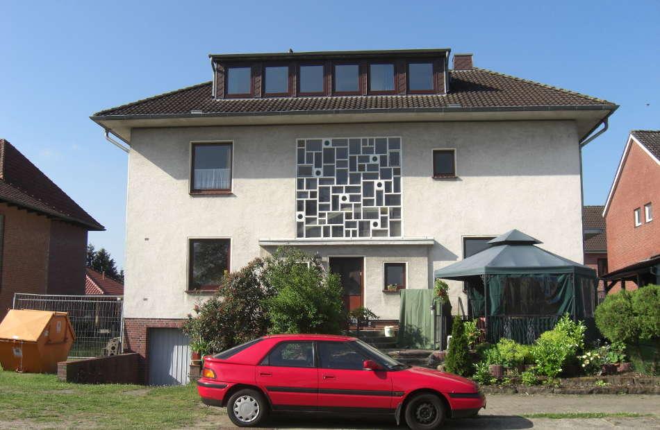 Az116_sanierung-umbau-fassadensanierung-wohnhaus-scheessel-moderne-formensprache-rueckansicht-vorher