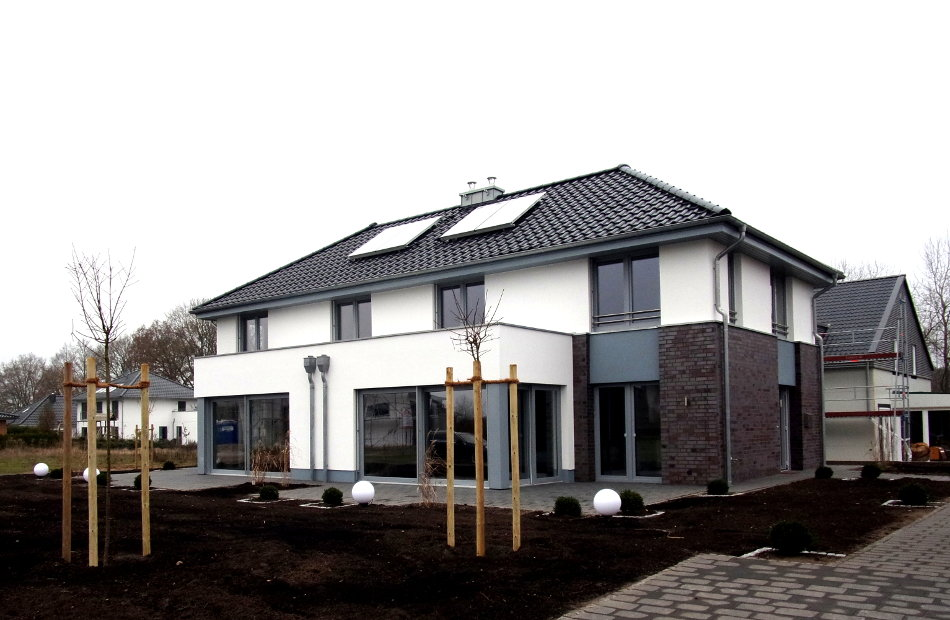 Az258_Neubau_Doppelhaus_Sittensen_Entwurf_Ausführung_vordransicht